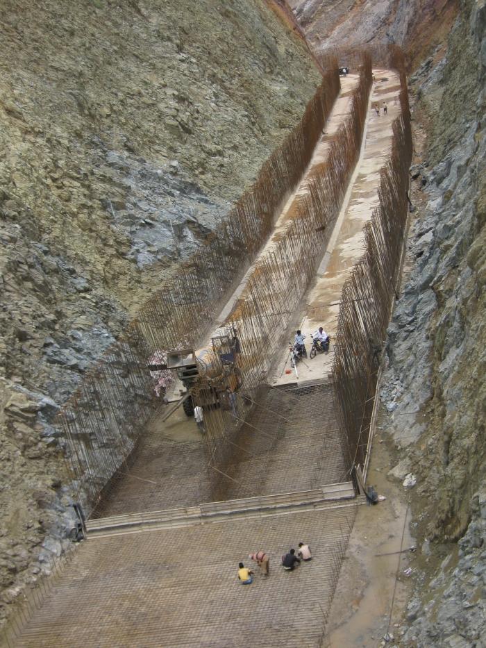 渠道衬砌、水利灌溉与水资源管理
